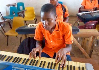 g1-1-bryant-school-system-keyboard-classroom-1080