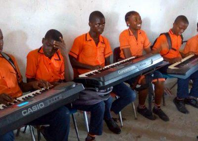 g1-10-bryant-school-system-keyboard-classroom-1080