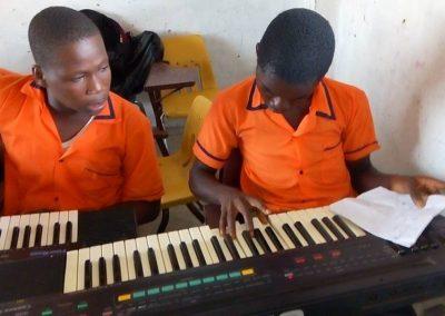 g1-3-bryant-school-system-keyboard-classroom-1080