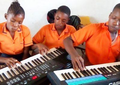 g1-5-bryant-school-system-keyboard-classroom-1080
