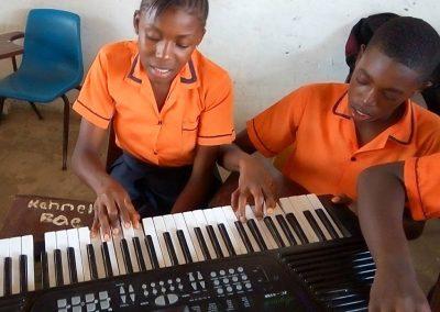 g1-6-bryant-school-system-keyboard-classroom-1080