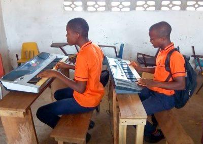 g1-7-bryant-school-system-keyboard-classroom-1080